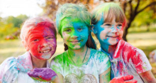 kids-playing-holi-indian-parents-talks