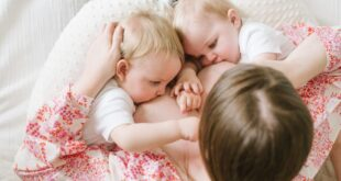 breast-feeding-twin-parents-talks