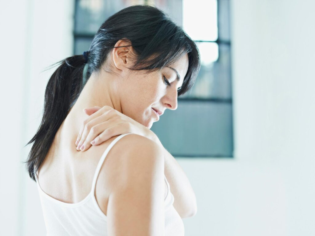 neck-pain-girl-body-pain